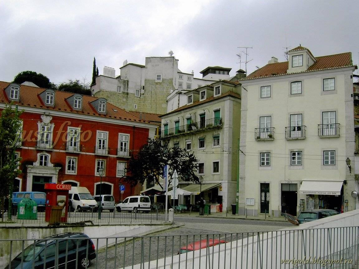 Старый квартал Алфама Лиссабон фото