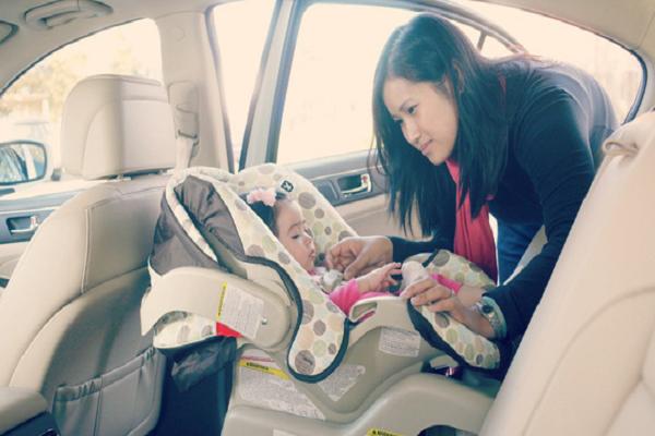 Cần làm gì để tránh trẻ bị bỏ quên trên xe ô tô