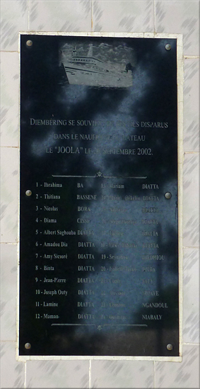 """En recuerdo a los """"hijos"""" de Djembering desaparecidos en el naufragio del """"Joola"""" - Djembering"""
