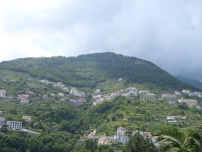 山あいの村々