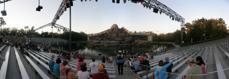 [Floride 2011 - Trip Report] WDW,DCL,USO,IOA,KSC,DC,BG,SW,ETC ... - Page 8 Pano_DHS_Fantasmic