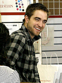 Robert Pattinson Hairstyle Pictures - Celebrity Hairstyle Ideas