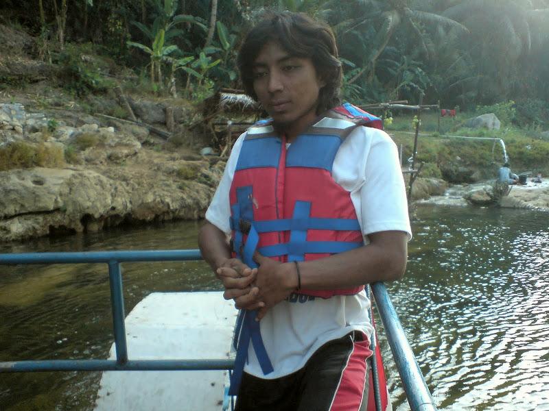 Mas - Mas Operator Perahu Karet
