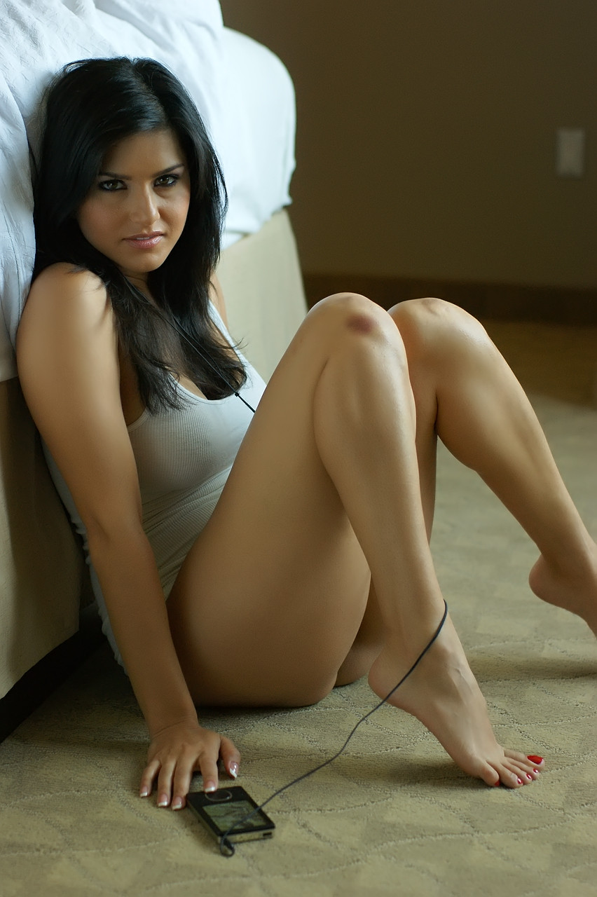 sultry sunny leone