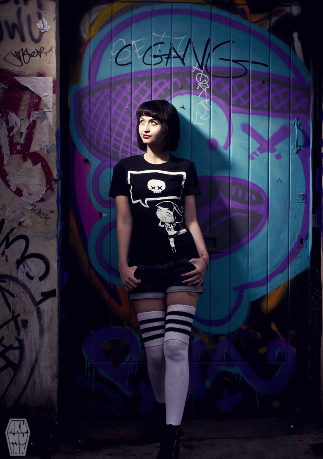 pinup, cosplay model, horror girl, goth girl, tattoo model, alternative model, goth model, akumuink, emo tshirt