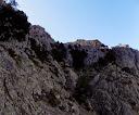 Les zones de faiblesse des barres rocheuses de l'arête W du Capu di Vegnu et arrivée au vallon
