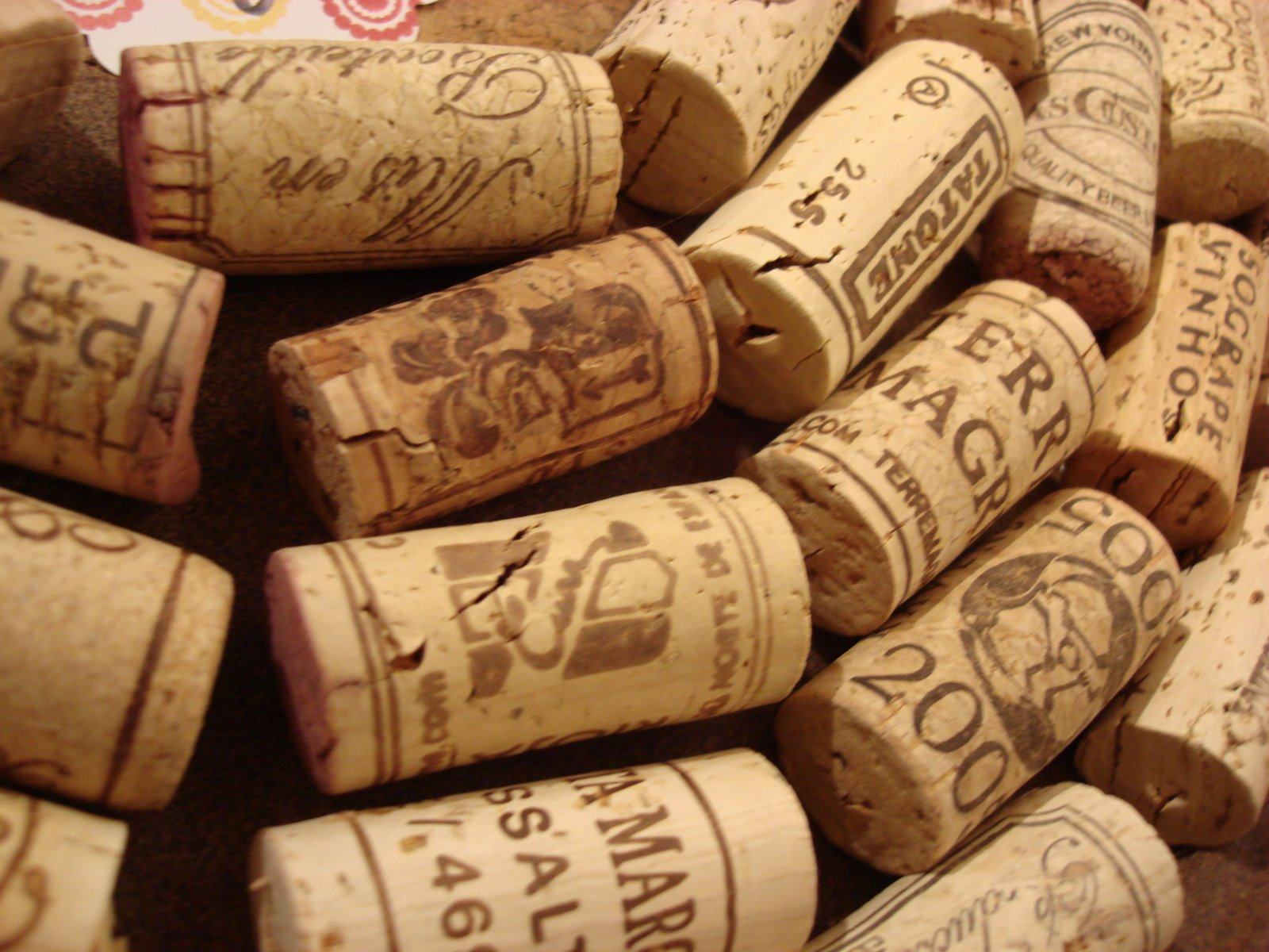 The best cork for your bottles homemade wine tips fine - What to make with wine corks ...