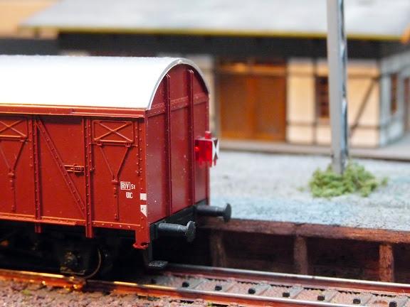 Märklin 4411: Gesloten goederenwagen met sluitverlichting