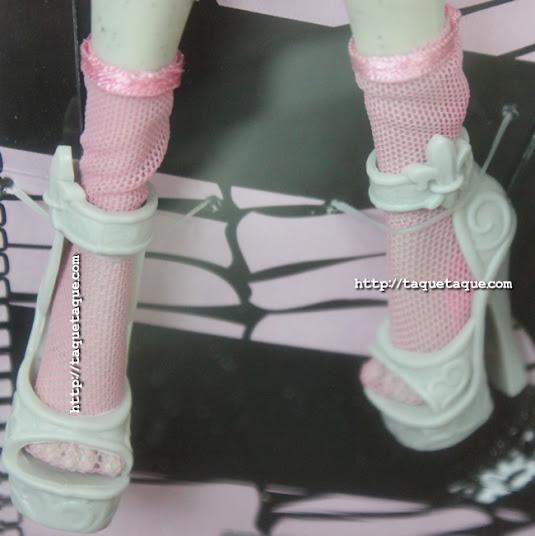 Rochelle Goyle y Roux, su mascota, ya forman parte de mi colección Monster High