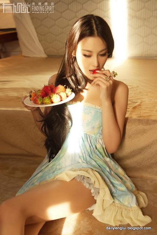 Viann Zhang Xinyu (张馨予)