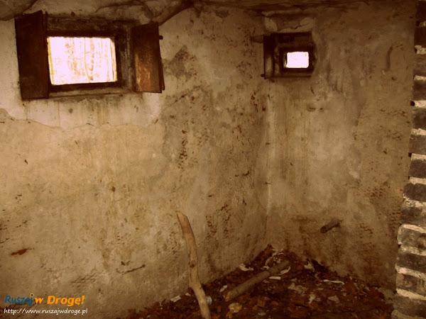 wnętrze bunkra na gdyńskim klifie