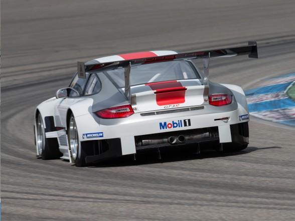 2013 Porsche 911 GT3 R - Rear Angle
