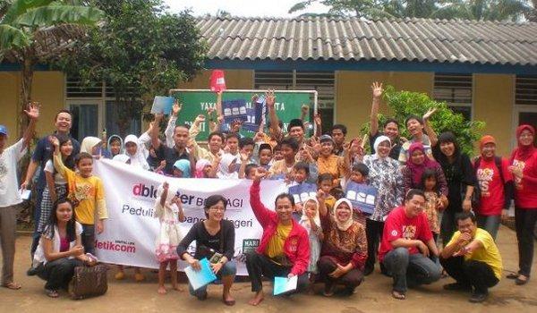 dBlogger berbagi Community Social Responsibility