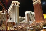 Das berühmte Venetian Hotel/Casino mit nachgebauter Rialtobrücke