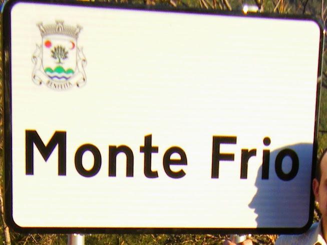 Placa informativa de início do Monte Frio no sentido norte sul no Domingo, 15 de Março de 2015