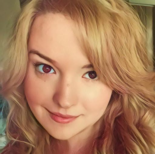 Alexa Samenus Photo 3