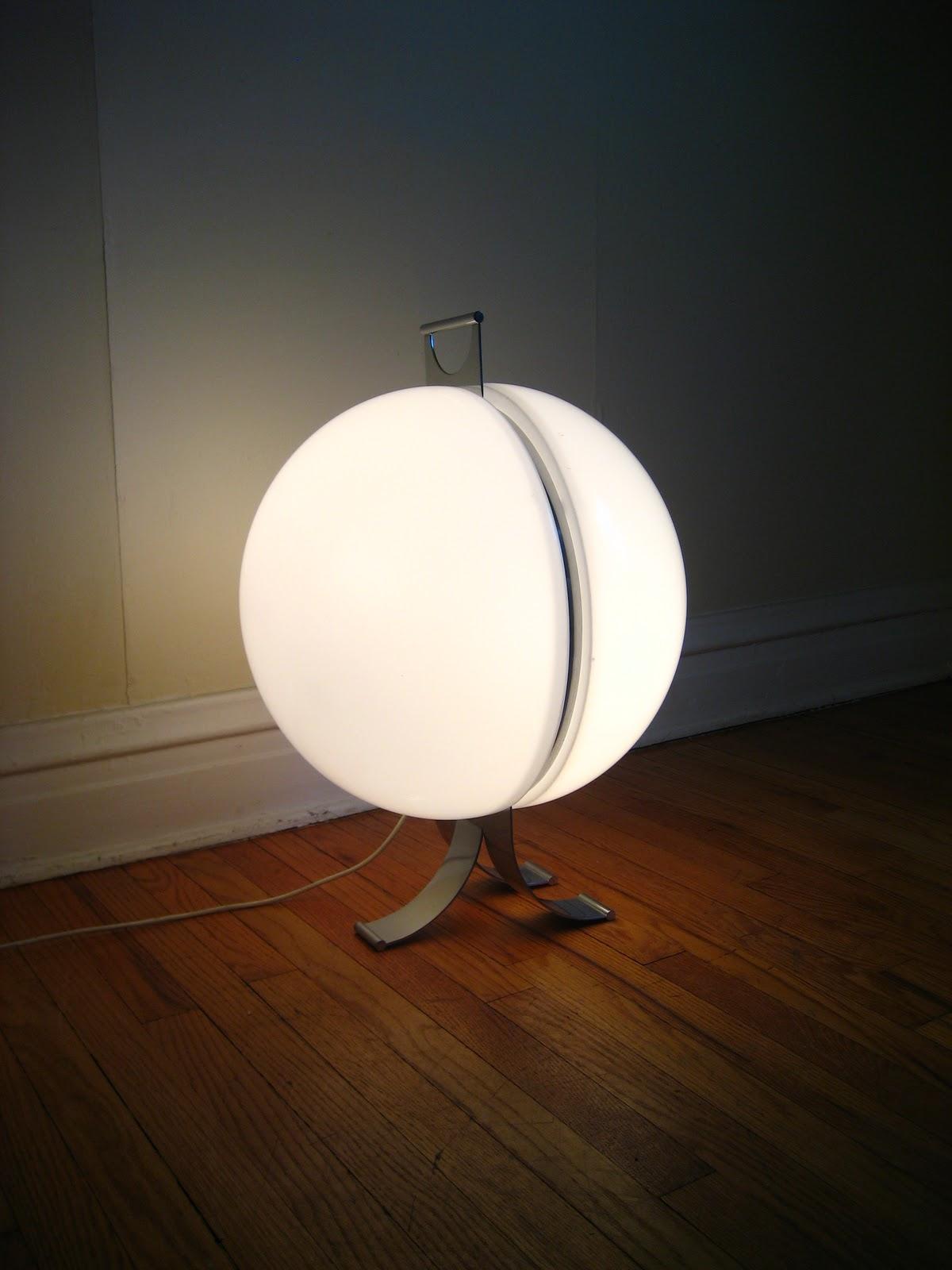 flatout design orb floor lamp. Black Bedroom Furniture Sets. Home Design Ideas