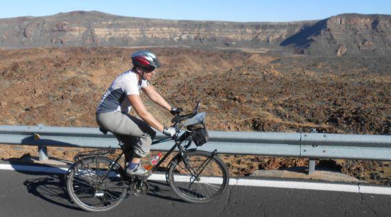 Miri on the Bike im Teide-Krater, Teneriffa