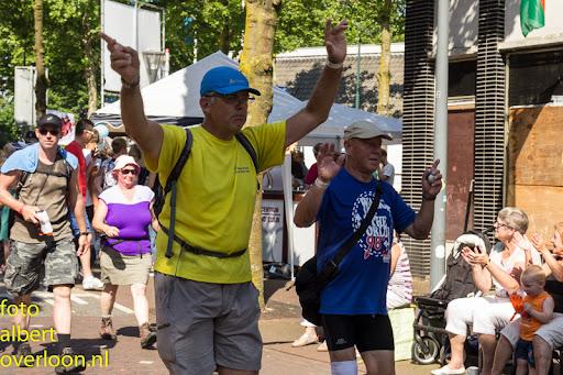 vierdaagse door cuijk 18-7-2014 (30).jpg