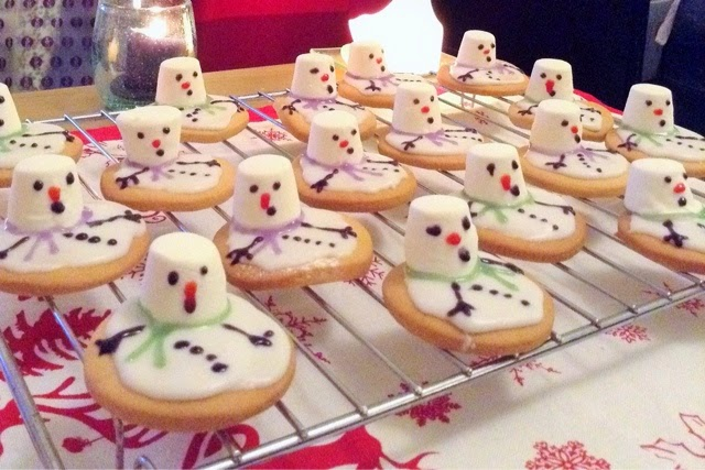 christmas-melting-snowman-biscuits