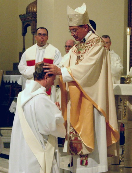 ollilopolinad: LECTURES: SACRAMENT OF HOLY ORDER