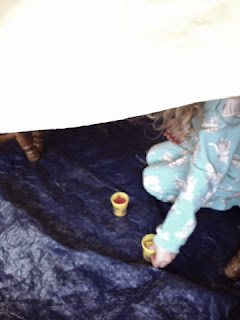 Here is a fun way to make an ordinary day special. Check out this DIY fort where kids can do art, eat, even do their home work.