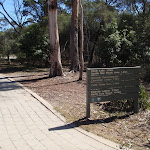 Hobart Beach signpost next to shelter (105133)