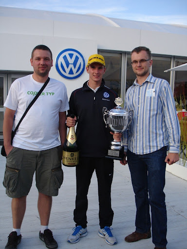 Mateusz Lisowski z przedstawicielami Portalu cng.auto.pl