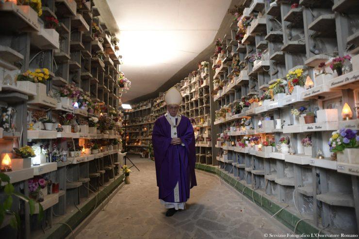 SS. Papa Francesco - Santa Messa Cimitero Prima Porta02-11-2016@Servizio Fotografico - L'Osservatore Romano