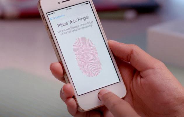 Los hackers eluden la seguridad del sensor de huellas del iPhone con un molde de plástico