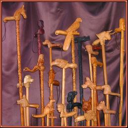 Colección de bastones. Talla en madera. Serapio