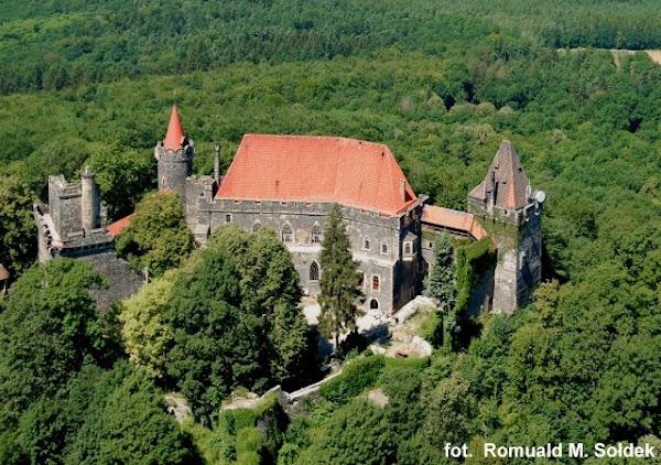 Zamek Grodziec - z lotu ptaka