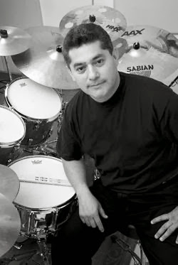 El baterista venezolano Andrés Briceño dirige a la Simón Bolívar Big Band Jazz