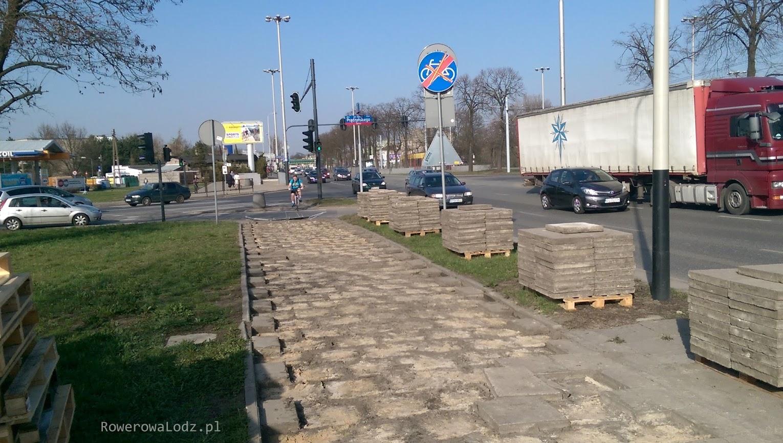 Rozpoczęto przy skrzyżowaniu z ul. Prądzyńskiego