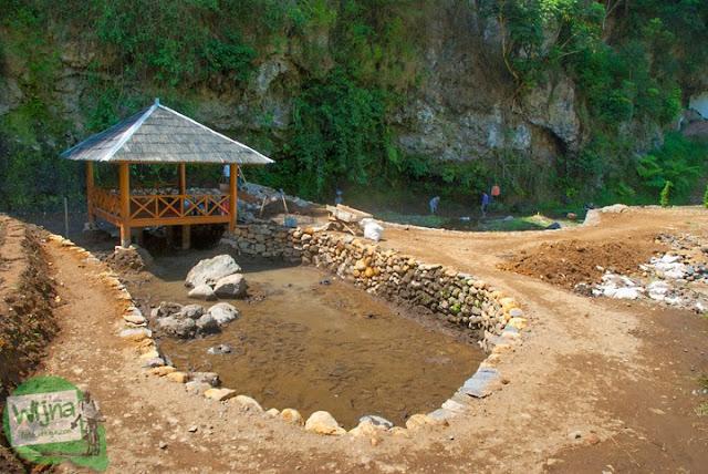 suasana proses proyek pembangunan taman wisata Curug Bugbrug, Bandung Barat