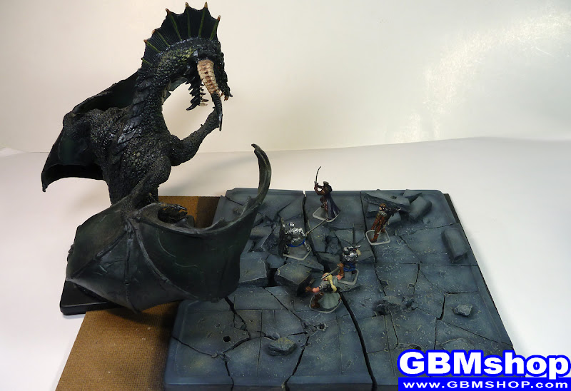 Dragon Hunt - Dungeons & Dragons miniatures diorama scenery, Gargantuan Black Dragon fighting with paladin fighter and ranger in Castle Ruin