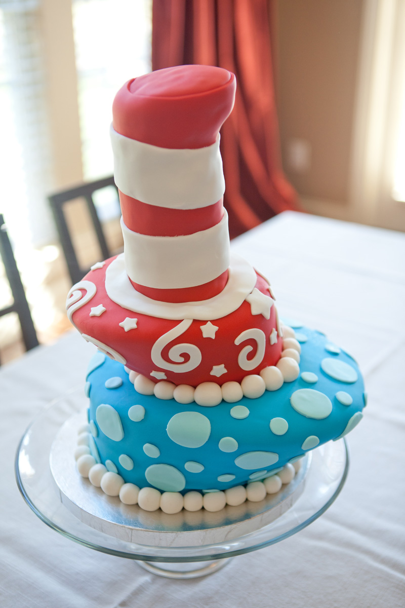 Thing 1 Thing 2 cakes Oh boy oh boy