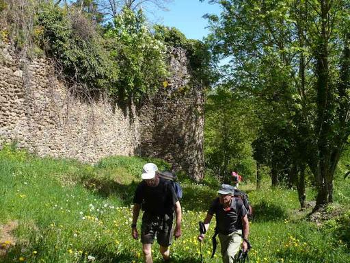 Montée vers le château de Saint-Ilpize