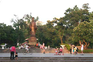 Dinh Tien Hoang Street - where the cultural space of the spiritual capital of Hanoi