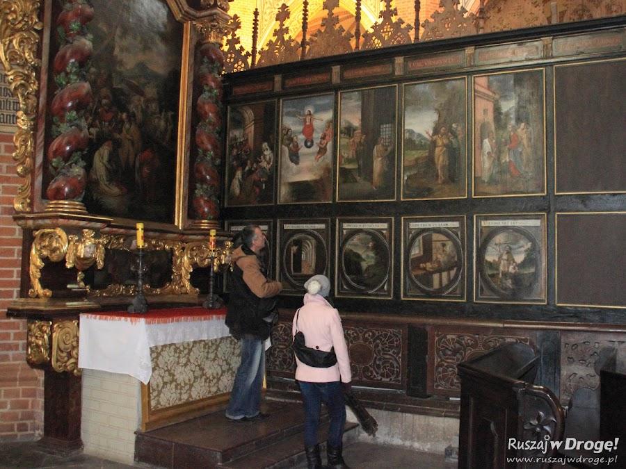 Katedra w Pelplinie - na tyłach stali