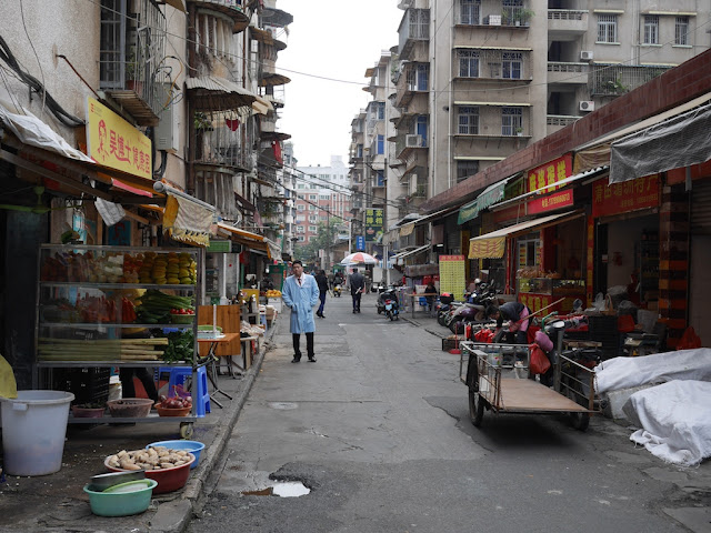 Alley off Xinpu Road (新浦路) in Zhangzhou