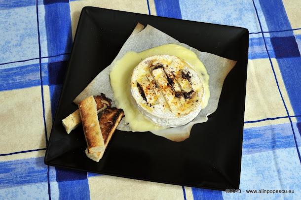 Camembert copt cu ciocolata