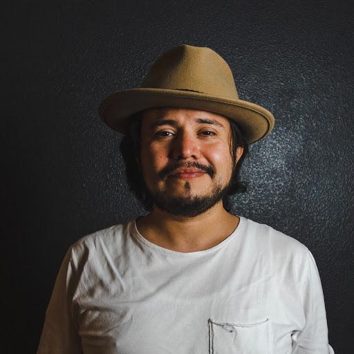 Jonathan Quiroz Photo 21