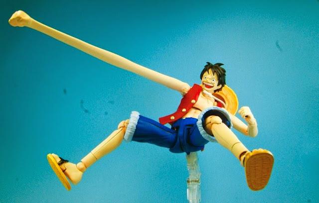 Bao gồm cả những chiếc chân và tay kéo dài thể hiện hình ảnh rất đặc trưng của Monkey D. Luffy