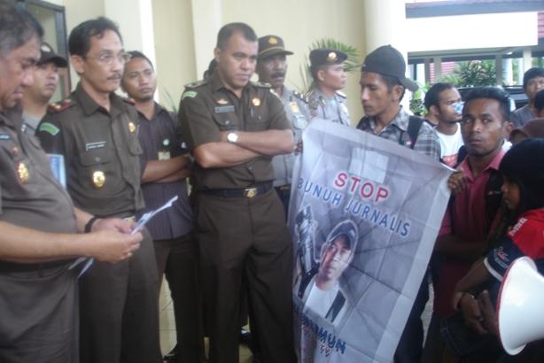 Aksi Aliansi Pemuda Pencari Keadilan