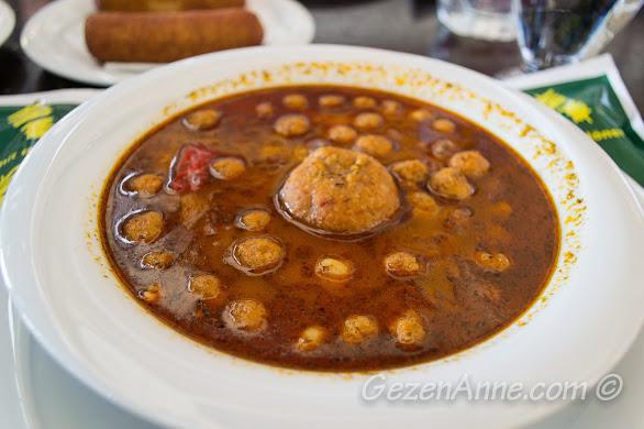 Aşina Restoran'da analı kızlı yemeği, Gaziantep