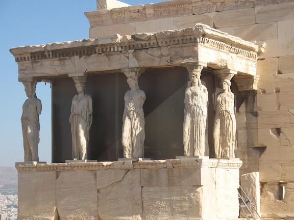 Las cariátides del Erecteion en la Acrópolis