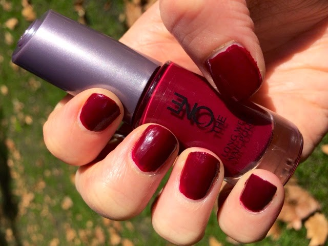 emsypickle: Midweek Manicure // Oriflame The One Long Wear Nail ...
