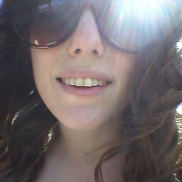Alicia Ritchie Photo 17