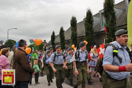Vierdaagse van Nijmegen door Cuijk 20-07-2012 (15).JPG